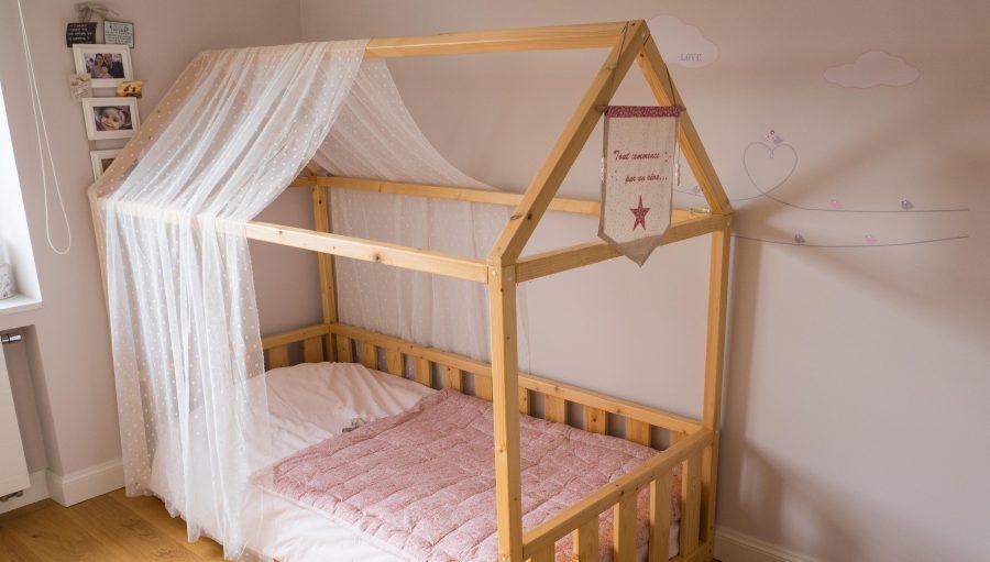Grand lit pour petite fille